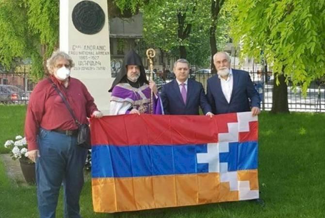 В армянской церкви Бухареста провели поминальную службу в память о погибших героях Армении и Арцаха