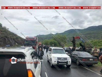 Напряженная обстановка в Тавуше, жители перекрыли дорогу в знак протеста
