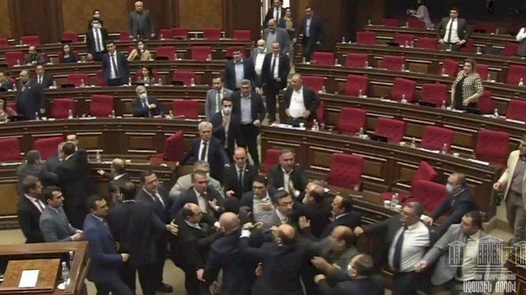 Специальная следственная служба Армении займется материалами дела о драке в парламенте