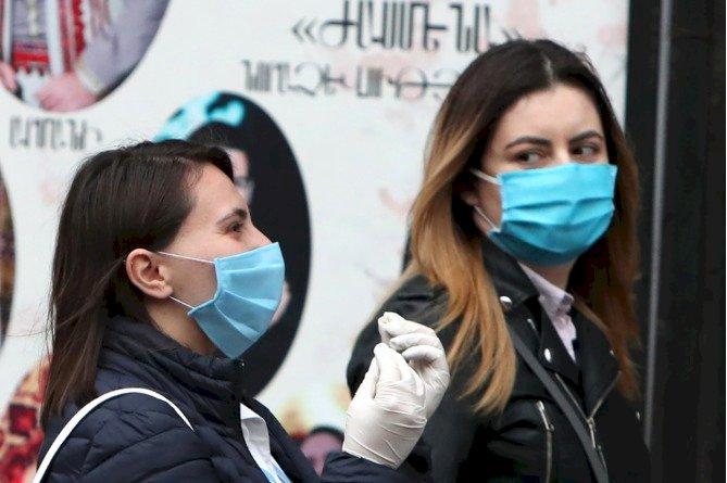 В Парламенте Армении обсуждается вопрос об обязательном ношении маски при выходе из дома