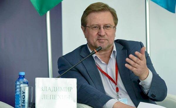 Чем хуже отношения с Россией, тем больше территорий потеряет Армения! - российский политолог Владимир Лепехин
