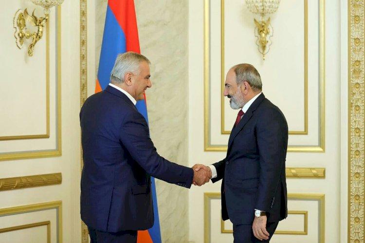 Никол Пашинян принял председателя группы компаний «Ташир» Самвела Карапетяна