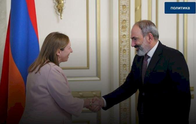 Азербайджан проявляет агрессию в том числе из-за поддержки США Армении - Пашинян послу Трейси
