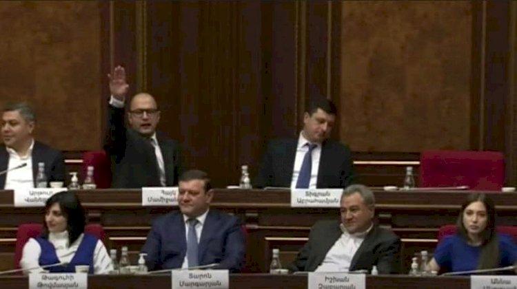 Парламентская оппозиция Армении срывает работу правительства Армении