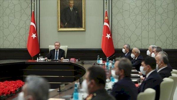 Абсурд дня: Турция призывает Армению отказаться от «агрессивных действий» против Азербайджана