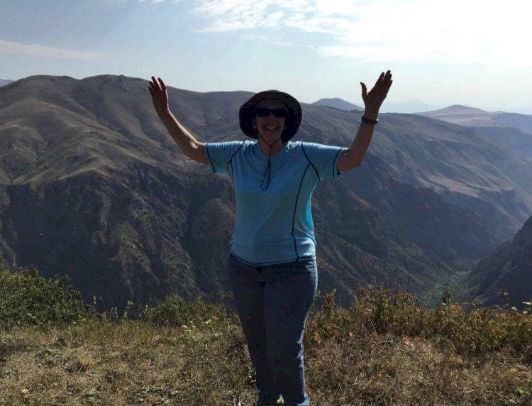 «Никакой политики, я просто наслаждаюсь каждой минутой своего отпуска в Сюнике» - Посол США в Армении Линн Трейси