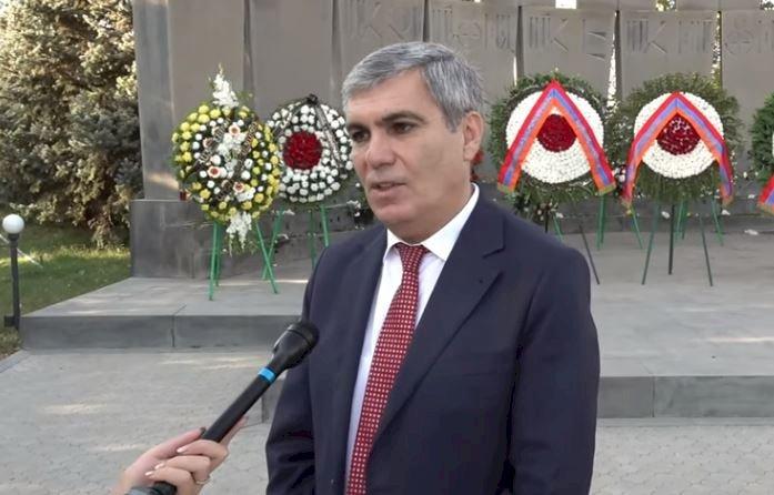 «Родственники погибших 27 октября не протестовали против празднования Дня Независимости» - Брат Вазгена Саргсяна Арам Саргсян (ВИДЕО)